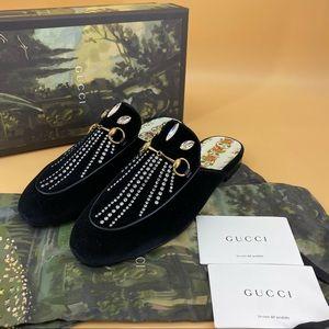 Brand new GUCCI  velvet crystal loafer